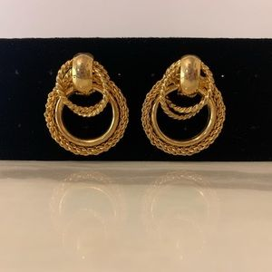 Vintage 18k Gold filled earrings with rope design